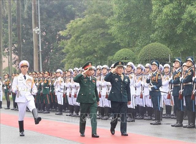 Bộ trưởng Bộ Quốc phòng Trung Quốc thăm chính thức Việt Nam - 1