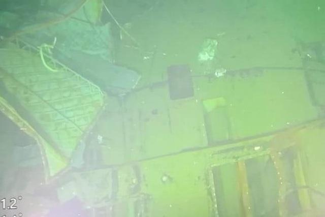 Thủy thủ tàu ngầm Indonesia có thể đã tìm cách thoát ra ngoài - 2