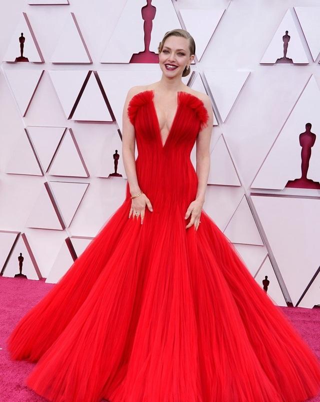 Minh tinh Hollywood mặc váy khoe ngực phẳng lì trên thảm đỏ Oscar 2021 - 21