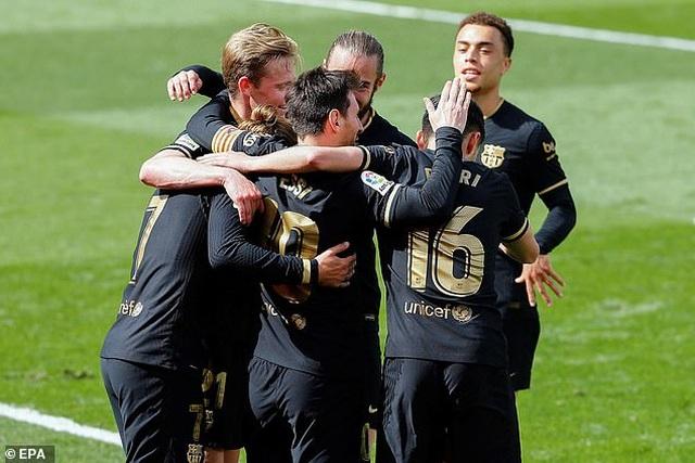 Đánh bại Villarreal, Barcelona sáng cửa vô địch La Liga - 4