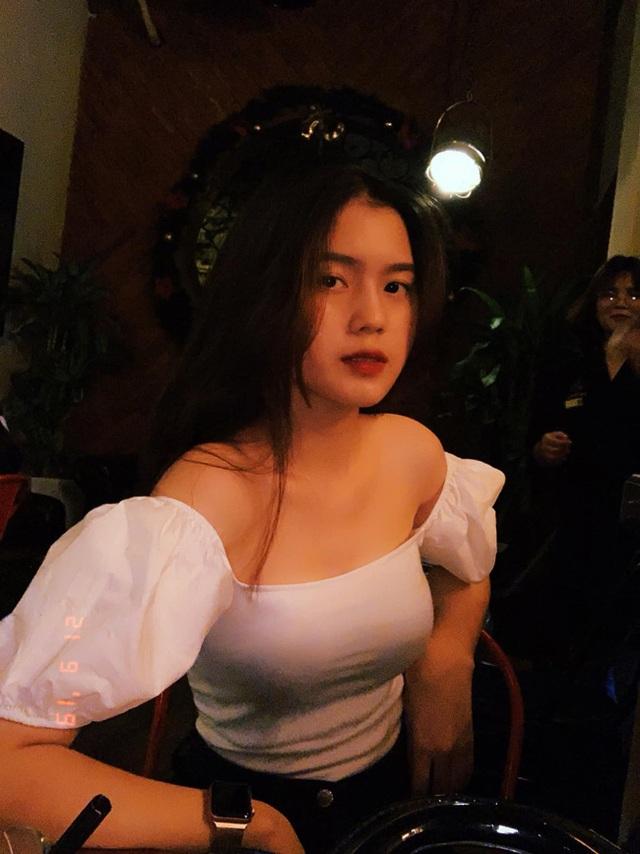 Cận cảnh nhan sắc xinh như mộng của bạn gái cầu thủ Thành Chung - 17