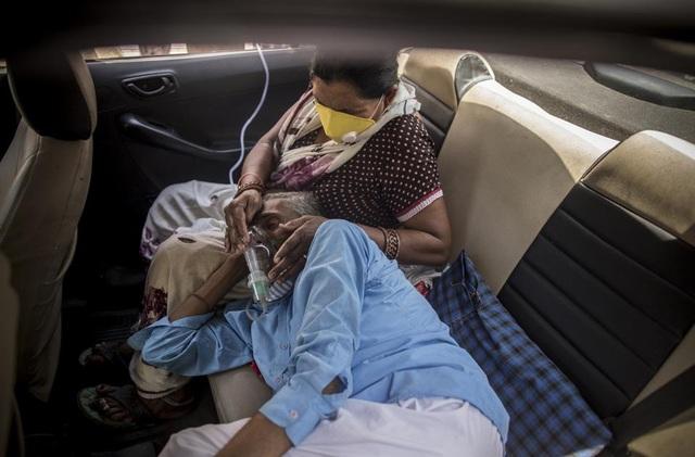 Người Ấn Độ: Virus nuốt chửng con người, chúng tôi như ở giữa chiến trường - 1