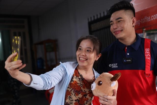 Lê Dương Bảo Lâm chia sẻ trải nghiệm lần đầu làm shipper, đến tận nhà giao hàng cho fan - 4