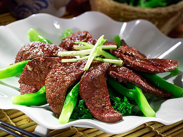 Những thực phẩm đầu bảng về cholesterol trong mâm cơm người Việt - 2
