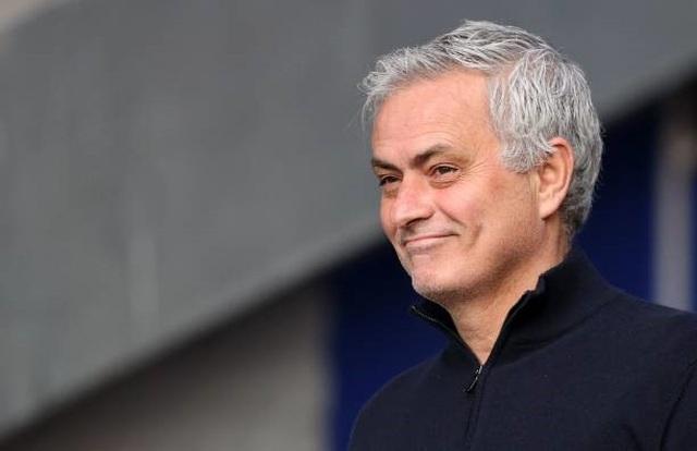 Tottenham đã đi nước cờ sai khi sa thải HLV Mourinho? - 1