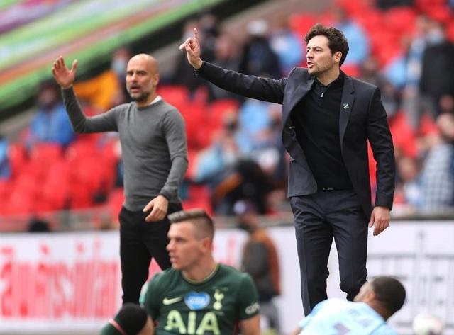 Tottenham đã đi nước cờ sai khi sa thải HLV Mourinho? - 2