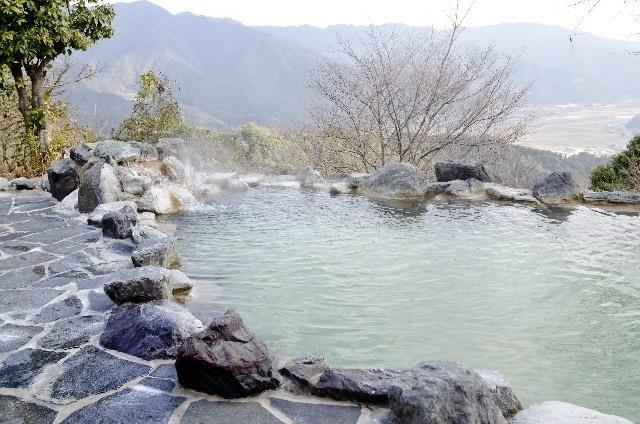 Bồn tắm lộ thiên - Tinh hoa suối khoáng nóng Nhật Bản - 2