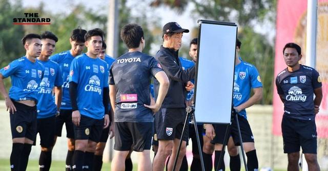 Đội tuyển Thái Lan gặp bất lợi trước thềm vòng loại World Cup - 1