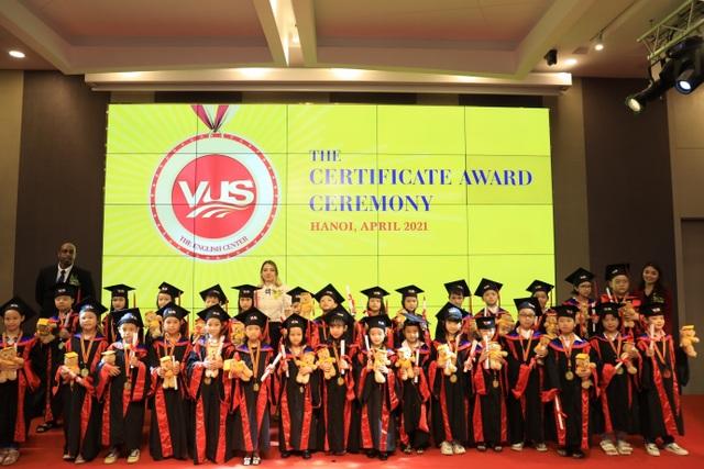 Lễ trao chứng chỉ Cambridge và chung kết VUSs Got Talent 2021 của VUS Hà Nội - 1