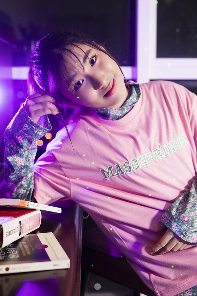 Ju Uyên Nhi gây sốt khi cover bản hit bằng tiếng Hàn - 1