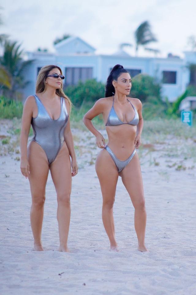 Bạn thân một thời của Kim Kardashian vẫn quyến rũ ở tuổi 47 - 7