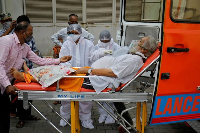 Covid-19 rung chuyển Ấn Độ, thêm 200.000 người có thể chết trong 3 tuần tới - 2