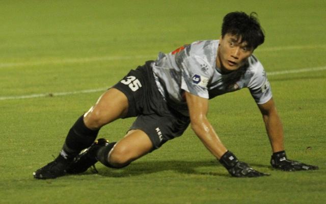 Thủ môn Bùi Tiến Dũng nói gì trong lần đầu được trở lại V-League? - 2