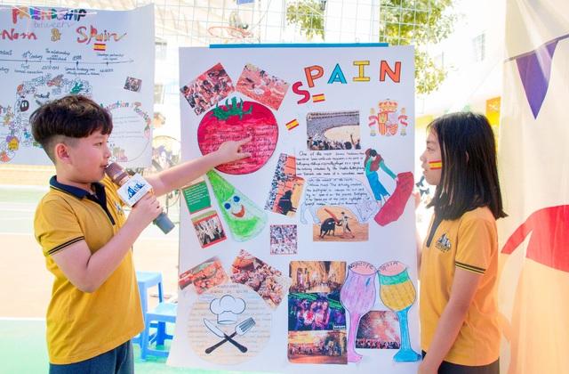 Học sinh Hà Nội nói Tiếng Anh như gió về văn hóa quốc tế - 7
