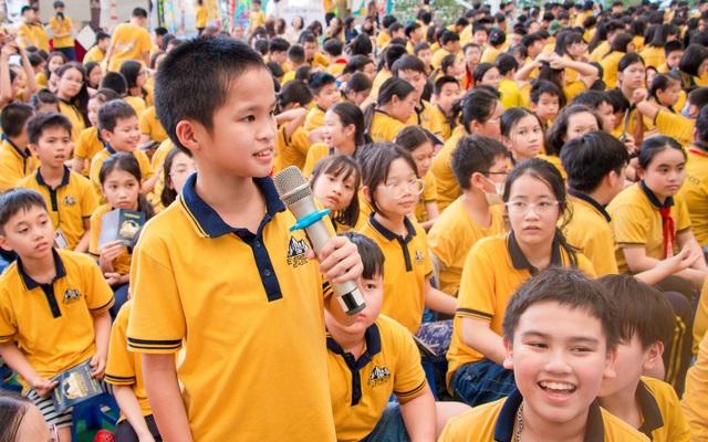 Học sinh Hà Nội nói Tiếng Anh như gió về văn hóa quốc tế - 2