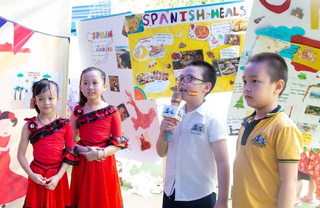 Học sinh Hà Nội nói Tiếng Anh như gió về văn hóa quốc tế - 6