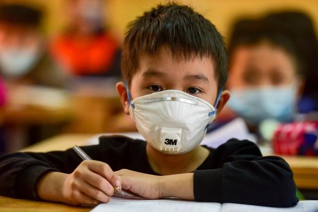 Hà Nội: Khẩn cấp cho học sinh toàn thành phố nghỉ học từ ngày 4/5 - 1