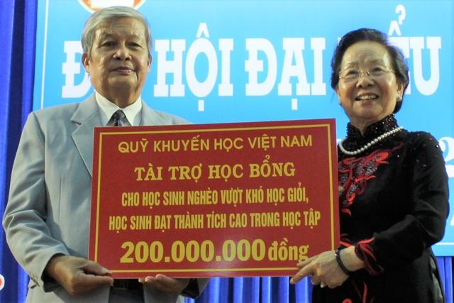 Chủ tịch Hội Khuyến học Việt Nam: Cần xóa mù nghề trong độ tuổi lao động - 2