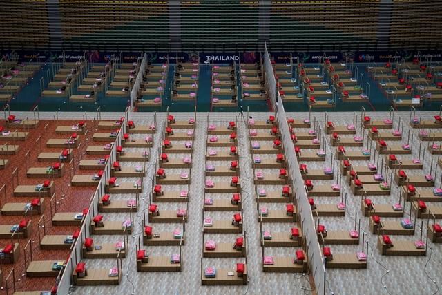Số người chết tăng kỷ lục, Thái Lan bị chê chống dịch như trò đập chuột - 2