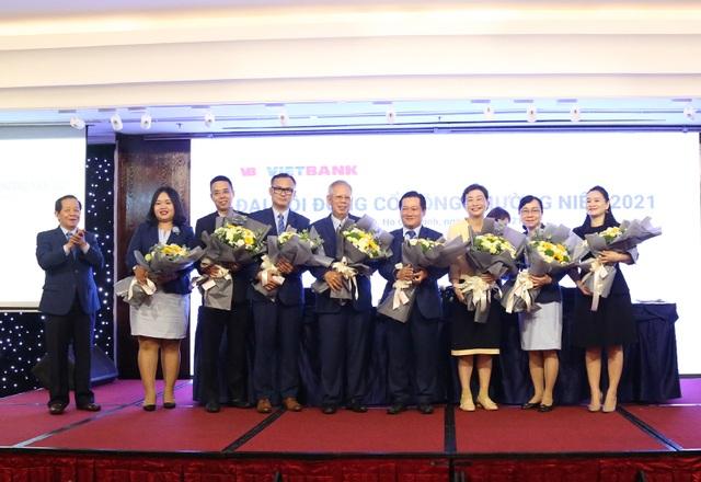 Nguyên Thứ trưởng Bộ Công Thương rời ghế nóng VietBank sau hơn 2 tháng - 1