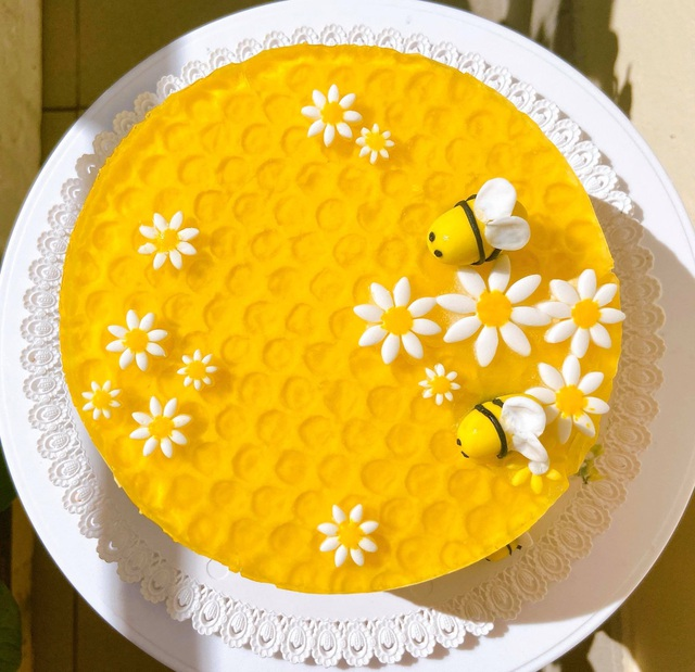 Cô gái đoảng tự học làm bánh khi giãn cách vì Covid-19 và kết quả bất ngờ - 3