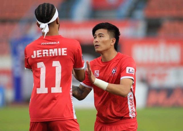 Thua CLB Hải Phòng, SL Nghệ An rơi xuống đáy bảng xếp hạng V-League - 2