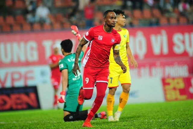Thua CLB Hải Phòng, SL Nghệ An rơi xuống đáy bảng xếp hạng V-League - 1