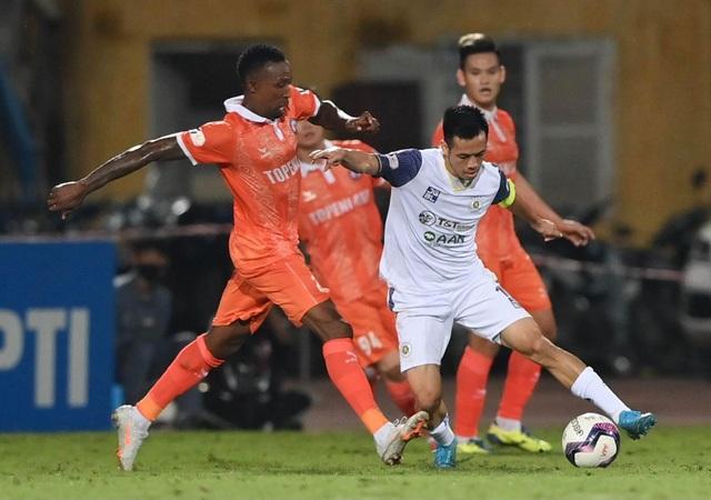 CLB Hà Nội thua sốc Bình Định trong ngày HLV Park Choong Kyun ra mắt - 2