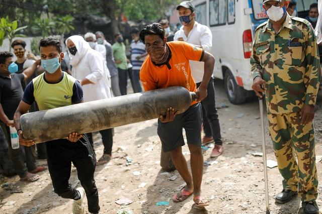 Trải qua những ngày đen tối nhất, Ấn Độ gồng mình chống