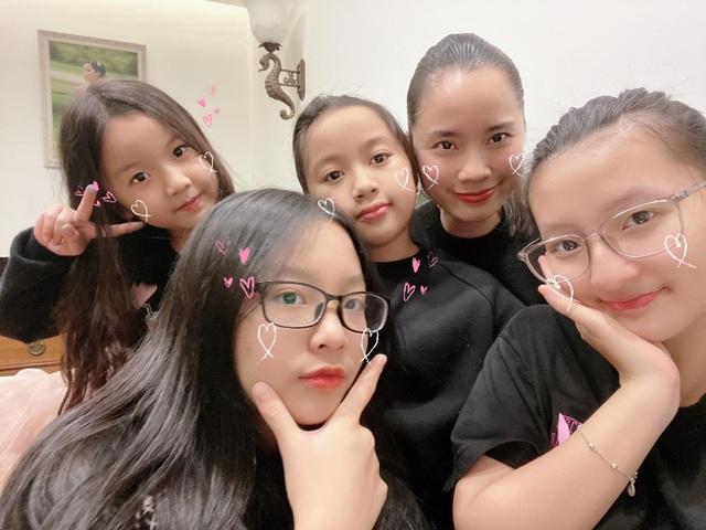 Á hậu đông con nhất showbiz Ngô Thúy Hà tái xuất xinh đẹp ở tuổi 40 - 7