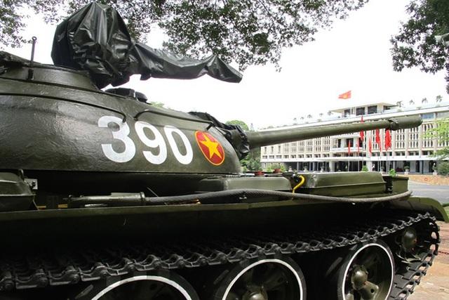 Húc đổ tung cổng Dinh Độc Lập, xe tăng T-59 thiện chiến ra sao? - 2