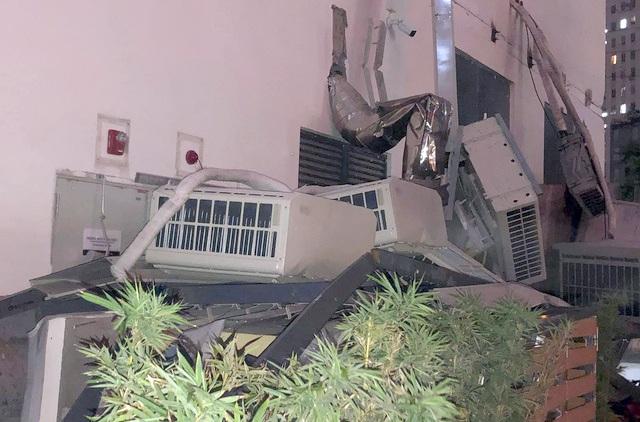 Hà Nội: Cả giàn 7 chiếc điều hòa ở chung cư rơi xuống khu vui chơi trẻ em - 2