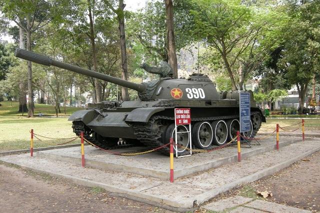 Húc đổ tung cổng Dinh Độc Lập, xe tăng T-59 thiện chiến ra sao? - 3