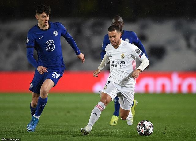 Benzema lập siêu phẩm, Real Madrid may mắn hòa Chelsea - 8