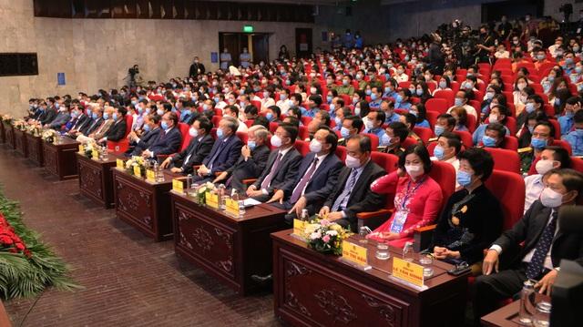 Chủ tịch nước Nguyễn Xuân Phúc dự Lễ kỷ niệm 135 năm Ngày Quốc tế Lao động - 3