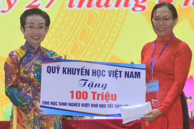 Chủ tịch Hội Khuyến học Việt Nam: Cần xóa mù nghề trong độ tuổi lao động - 4