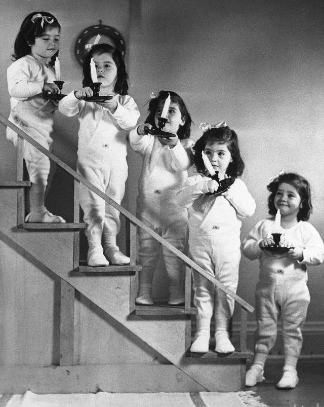 5 chị em sinh 5 hấp dẫn... khách tham quan và những thử nghiệm gây sửng sốt - 6