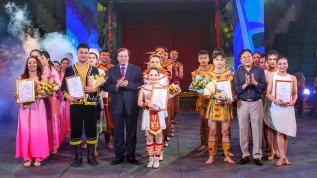 Sắc sen giành giải Nhất cuộc thi Tài năng Xiếc toàn quốc 2021 - 1