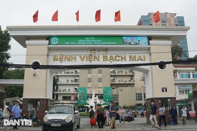 Vì sao cựu lãnh đạo BV Bạch Mai nhận 500 triệu đồng nhưng không dính tội? - 1