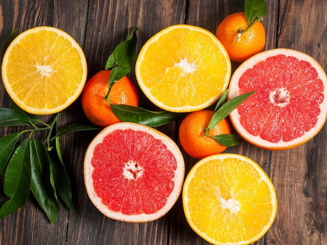 7 lý do bạn nên ăn các loại trái cây có múi nhiều hơn - 1