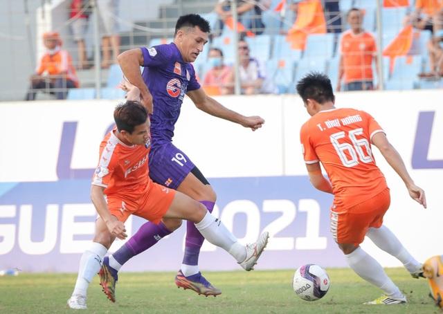 Hà Đức Chinh dự bị, đội bóng của HLV Lê Huỳnh Đức thua Sài Gòn FC - 2