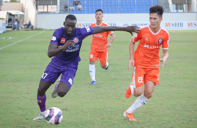 Hà Đức Chinh dự bị, đội bóng của HLV Lê Huỳnh Đức thua Sài Gòn FC - 5
