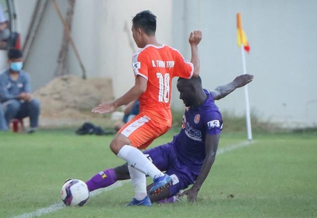 Hà Đức Chinh dự bị, đội bóng của HLV Lê Huỳnh Đức thua Sài Gòn FC - 3