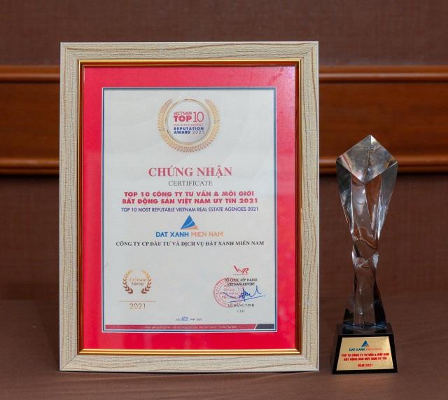 Đất Xanh Miền Nam vinh dự nhận giải thưởng Top 10 công ty tư vấn và môi giới BĐS Việt Nam uy tín năm 2021 - 2