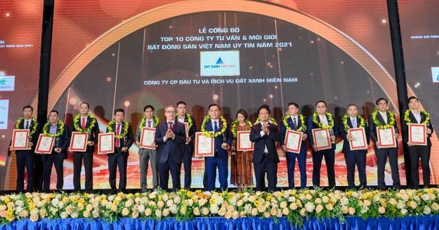 Đất Xanh Miền Nam vinh dự nhận giải thưởng Top 10 công ty tư vấn và môi giới BĐS Việt Nam uy tín năm 2021 - 3