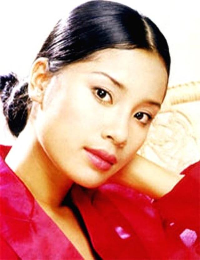 Á hậu đông con nhất showbiz Ngô Thúy Hà tái xuất xinh đẹp ở tuổi 40 - 3