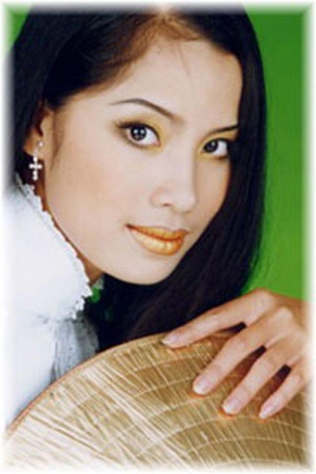Á hậu đông con nhất showbiz Ngô Thúy Hà tái xuất xinh đẹp ở tuổi 40 - 4