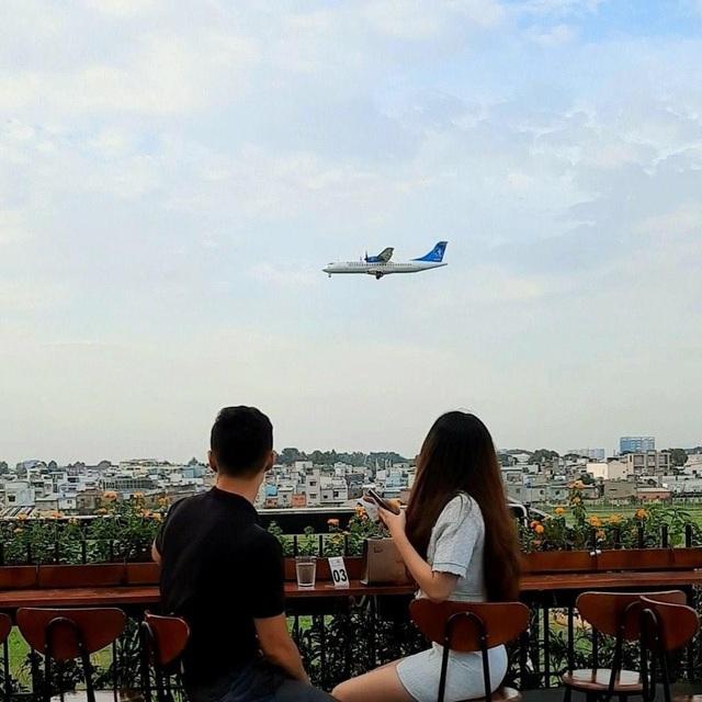 Hai quán cà phê có view ngắm máy bay lướt ngang qua đầu ở Sài Gòn - 4