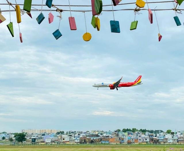 Hai quán cà phê có view ngắm máy bay lướt ngang qua đầu ở Sài Gòn - 5
