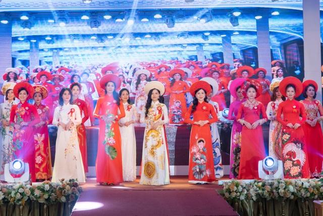 Khi những nữ công nhân tự tin tỏa sáng trên sân khấu - 1